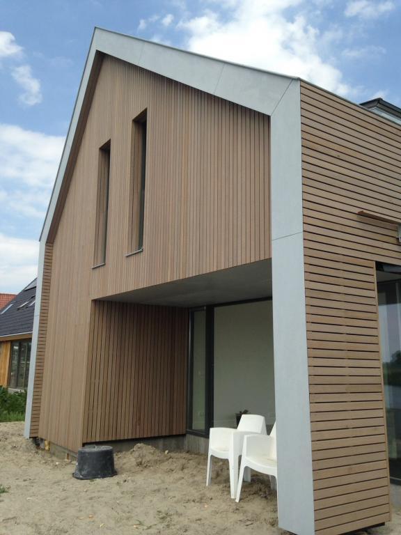 Nieuwbouw Woning Te Warga Achtergevel Red Cedar